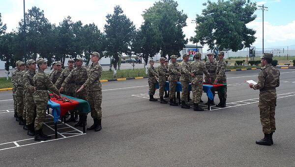 Церемония принятия военной присяги в воинских частях Министерства обороны Азербайджанской Республики - Sputnik Азербайджан