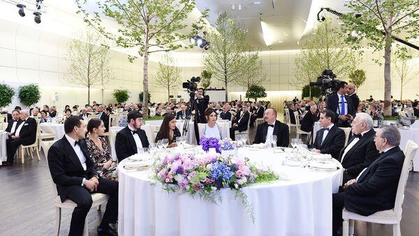 Торжественная церемония, посвященная 95-летнему юбилею Гейдара Алиева - Sputnik Азербайджан
