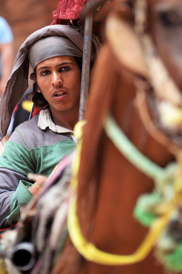 Бедуин на лошади в древнем городе Петра в Иордании - Sputnik Азербайджан