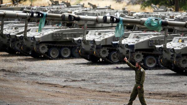 Артиллерия ВС Израиля на Голанских высотах, 9 мая 2018 года - Sputnik Азербайджан