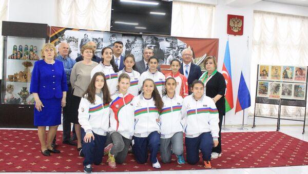 Азербайджанская команда отправляется на Третьи Всемирные Игры юных соотечественников - Sputnik Азербайджан