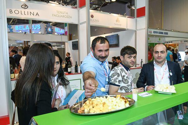 24-я Азербайджанская международная выставка Пищевая промышленность (WorldFood Azerbaijan-2018) и 12-я Азербайджанская международная выставка Сельское хозяйство (Caspian Agro-2018) - Sputnik Азербайджан