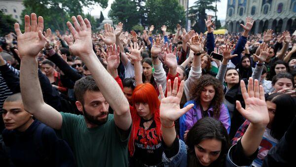 Протесты в Тбилиси, 12 мая 2018 года - Sputnik Азербайджан