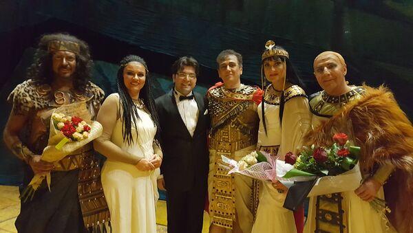 Эйюб Гулиев дирижировал в Большом театре оперы и балета республики Беларусь оперой итальянского композитора Джузеппе Верди Аида - Sputnik Азербайджан