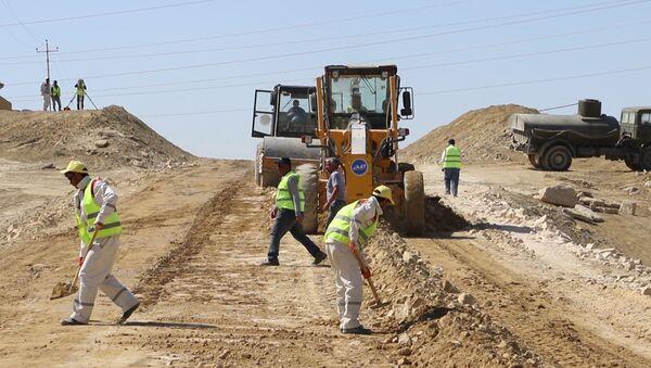 Строительство дороги, архивное фото - Sputnik Азербайджан
