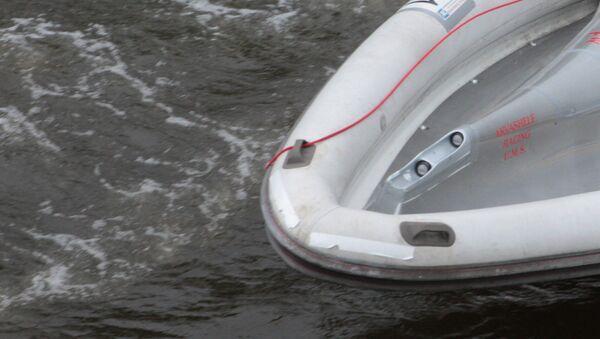 Надувная лодка, фото из архива - Sputnik Азербайджан