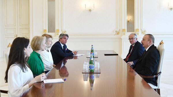 Президент Ильхам Алиев принял торгового посланника премьера Великобритании по Азербайджану - Sputnik Азербайджан