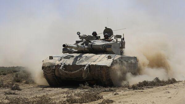 Израильский танк в Газе, фото из архива - Sputnik Азербайджан
