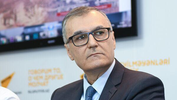 Завсектор Администрации Президента Азербайджанской Республики, политолог Фуад Ахундов - Sputnik Азербайджан