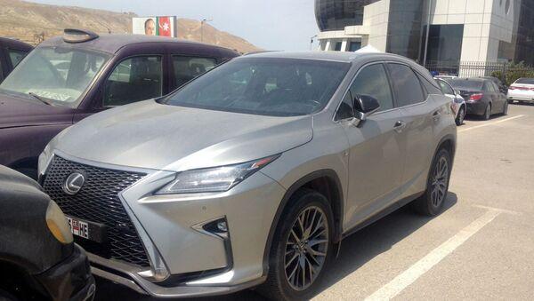 Угнанный автомобиль - Sputnik Азербайджан