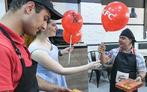Благотворительная акция #СолнечноеЛето - Sputnik Азербайджан