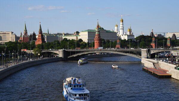 Туристические теплоходы на Москве-реке - Sputnik Азербайджан