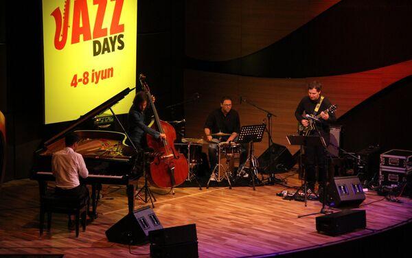 В Международном центре мугама в рамках нового джазового проекта Baku Summer Jazz Days прошел концерт - Sputnik Азербайджан