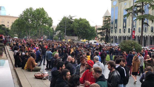 Акция протеста на проспекте Руставели в Тбилиси - Sputnik Азербайджан