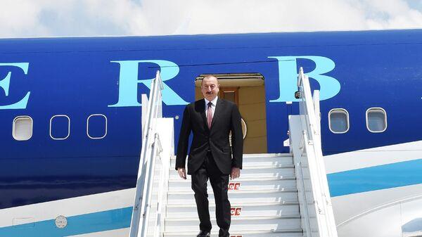 Президент Азербайджана Ильхам Алиев прибыл с визитом в Турцию - Sputnik Азербайджан
