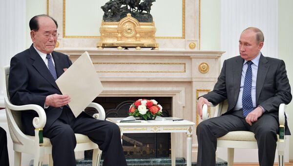 Kim Yen Nam və Vladimir Putinin görüşü - Sputnik Azərbaycan