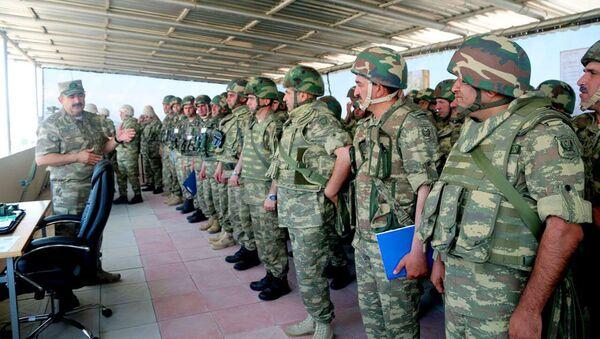 Учения воинских частей армейского объединения, дислоцированного в прифронтовой зоне - Sputnik Азербайджан
