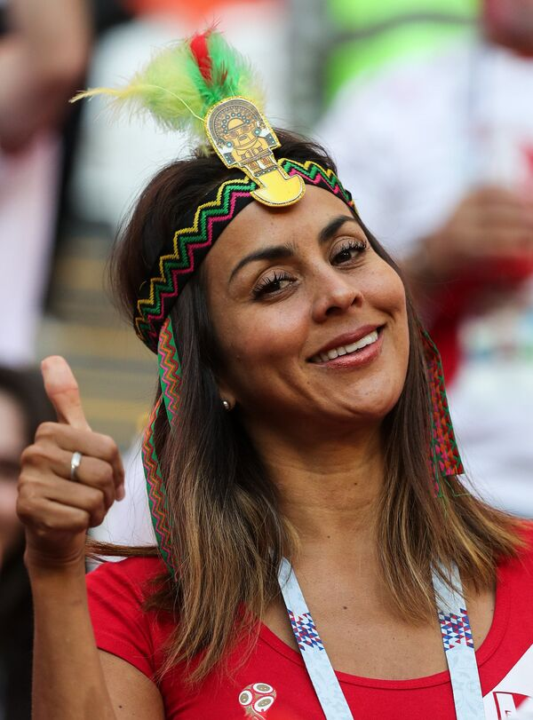 Peru komandasının azarkeşi Danimarka ilə oyun zamanı - Sputnik Азербайджан