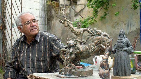 Художник и скульптор Рамиз Исми-Гая - Sputnik Азербайджан