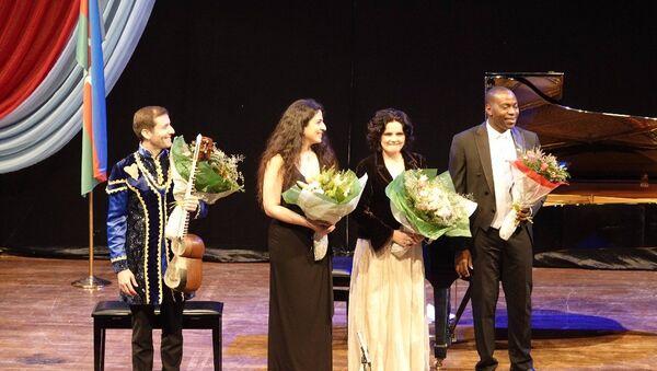 Азербайджанские музыканты выступили в Нигерии на концерте Шелковый путь - Sputnik Азербайджан