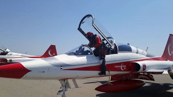 Авиационная группа Турецкие звезды прибыла в Азербайджан - Sputnik Азербайджан