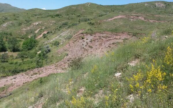 Оползни в селе Гойдан Исмаиллинского района - Sputnik Азербайджан