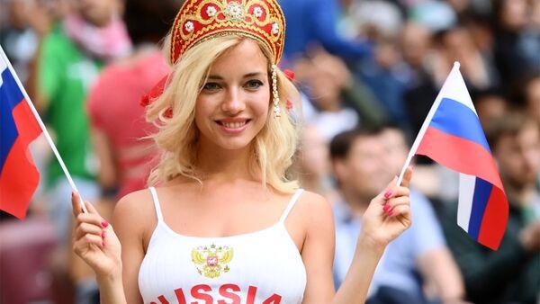 Самая горячая болельщица России - Sputnik Азербайджан