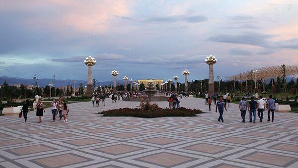 Парк Гейдара Алиева в Гяндже - Sputnik Азербайджан