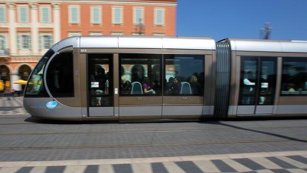 Трамвай в Ницце, Франция, фото из архива - Sputnik Азербайджан