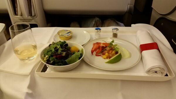 Еда в салоне самолета - Sputnik Азербайджан