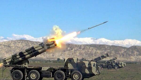 Этап широкомасштабных учений с боевой стрельбой - Sputnik Азербайджан