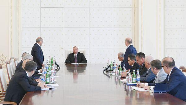 İlham Əliyevin yanında ölkənin enerji sistemində vəziyyətlə əlaqədar müşavirə keçirilib - Sputnik Azərbaycan