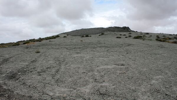 Binəqədi rayonunda yerləşən Keyrəki palçıq vulkanı - Sputnik Azərbaycan