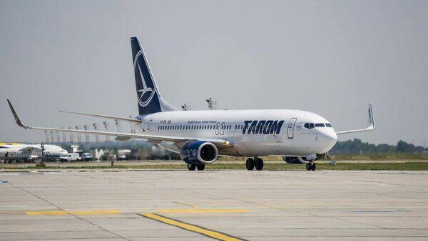 Самолет румынской авиакомпании Tarom - Sputnik Азербайджан
