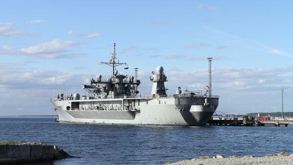 Флагманский корабль шестого флота США Mount Whitney, фото из архива - Sputnik Азербайджан