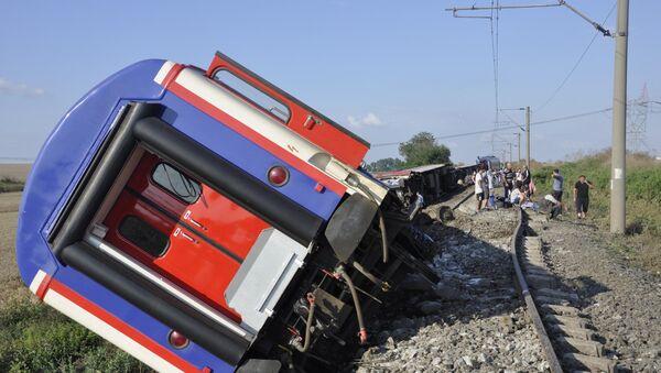Поезд, следовавший по маршруту Капыкуле-Стамбул, сошел с рельсов, Турция, 8 июля 2018 года - Sputnik Азербайджан