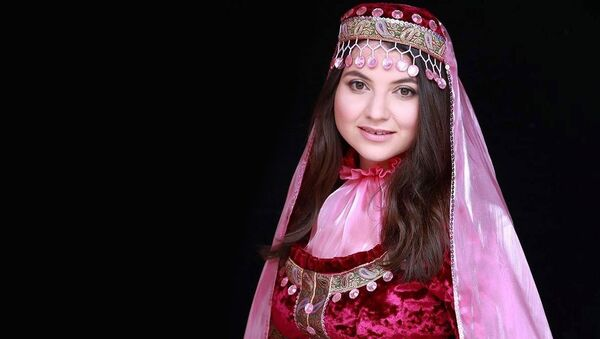 Глава Ассоциации азербайджанских женщин Великобритании Ульвия Тагизаде - Sputnik Азербайджан