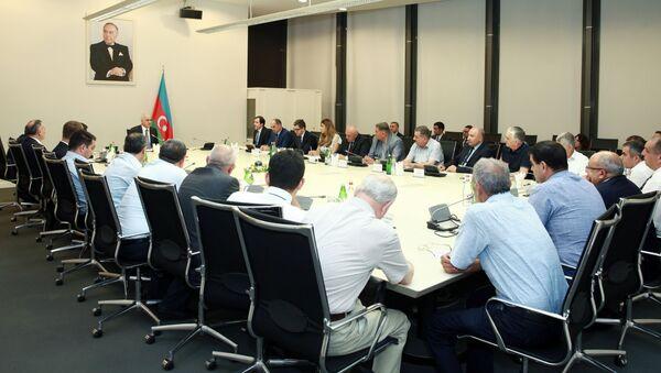 Встреча с членами Ассоциации производителей и экспортеров вина Азербайджана, 8 июля 2018 года - Sputnik Азербайджан
