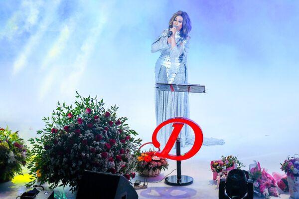 Концерт певицы Damla (Дамла) на сцене Зеленого театра в Баку - Sputnik Азербайджан