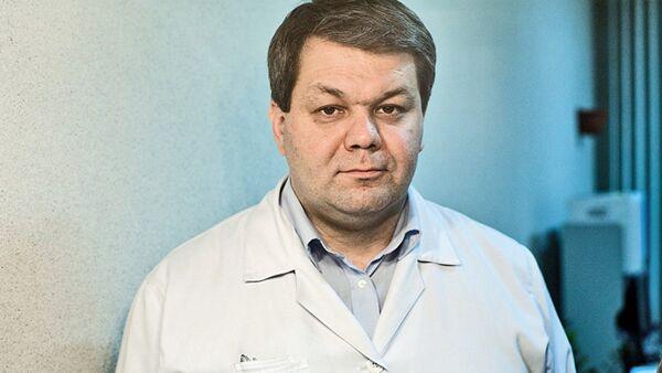 Руководитель Центра медицины сна МГУ им. Ломоносова Александр Калинкин - Sputnik Азербайджан