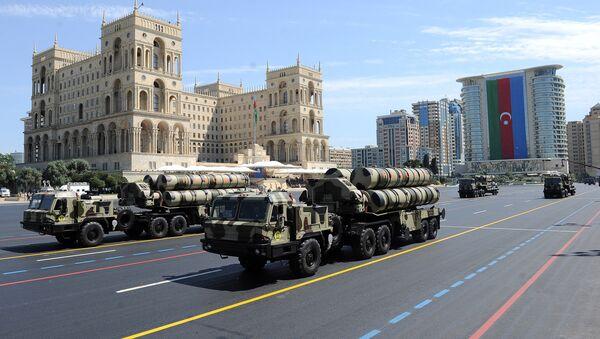 Военная техника Азербайджана во время парада, посвященного 100-летию Вооруженных сил Азербайджанской Республики. Баку, 26 июня 2018 года - Sputnik Азербайджан