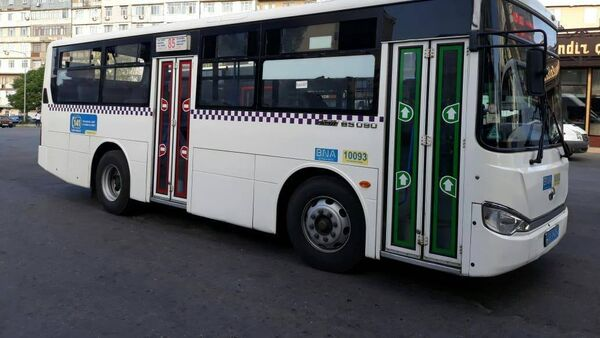 Автобус частной транспортной компании Xaliq Faiqoğlu, фото из архива - Sputnik Азербайджан