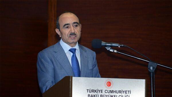 Помощник Президента АР по общественно-политическим вопросам Али Гасанов - Sputnik Азербайджан
