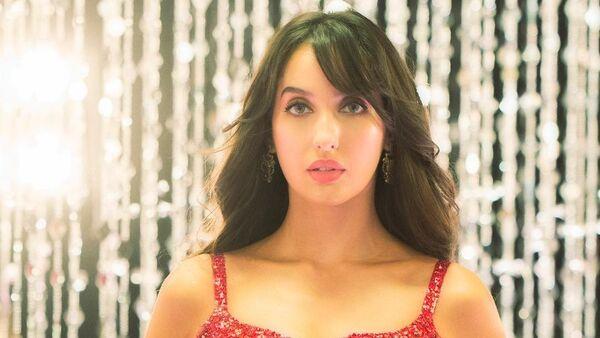Всемирно известная индийская актриса и танцовщица Нора Фатехи - Sputnik Азербайджан