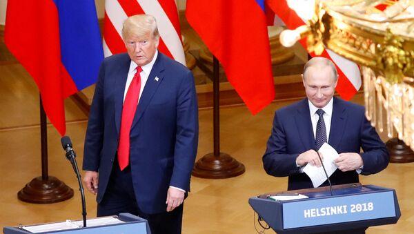 Donald Tramp və Vladimir Putinin görüşü - Sputnik Azərbaycan