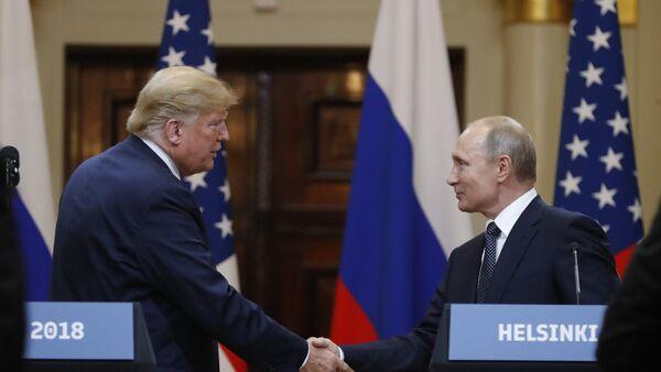 Встреча президента РФ Владимира Путина и президента США Дональда Трампа в Хельсинки - Sputnik Азербайджан