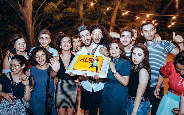 Независимый азербайджанский андеграундный театр ADO отметил свой пятилетний юбилей - Sputnik Азербайджан