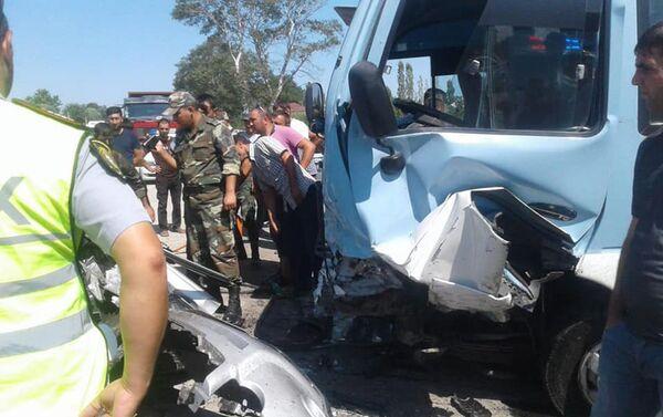 Авария на 142-м километре автотрассы Баку-Губа - Sputnik Азербайджан