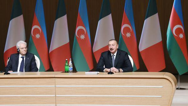 В Баку состоялся азербайджано-итальянский бизнес-форум - Sputnik Азербайджан
