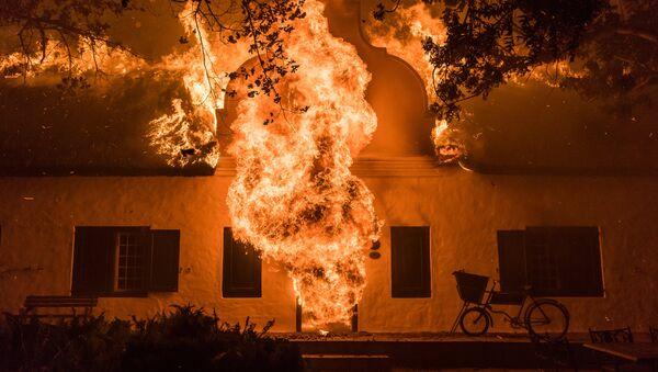 В огне: за гранью. Джастин Салливан / ЮАР - Sputnik Азербайджан